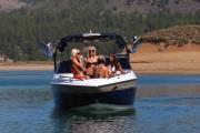 A lányok és a wakeboard